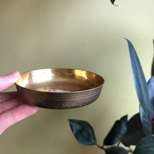 Vintage Accents - Vintage Brass around Trinket Dish 4""
